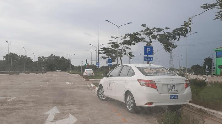 Học lái xe B2 bài ghép ngang